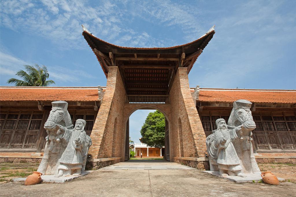 Long Beach Resort Phu Quoc - Main Entrance