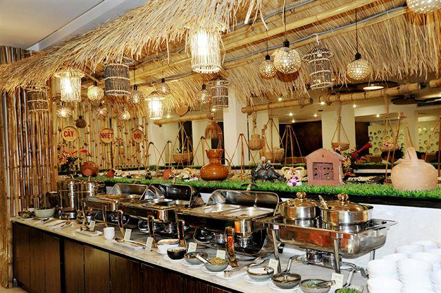 buffet_ganh__palace_hotel_saigon_bdd89a46635415322796844225